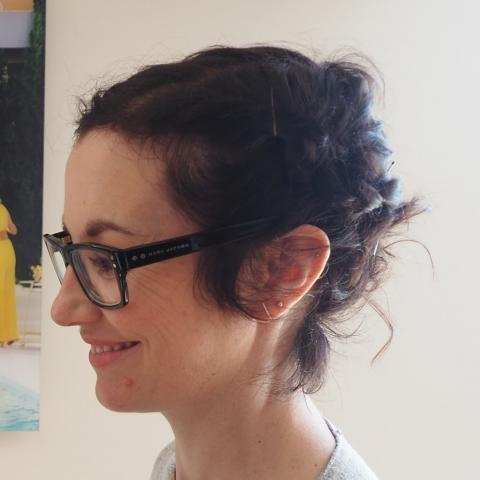 Anne-Noëlle Professeure CAP Esthétique Cosmétique Parfumerie - Maquilleuse professionnelle - Espace Concours