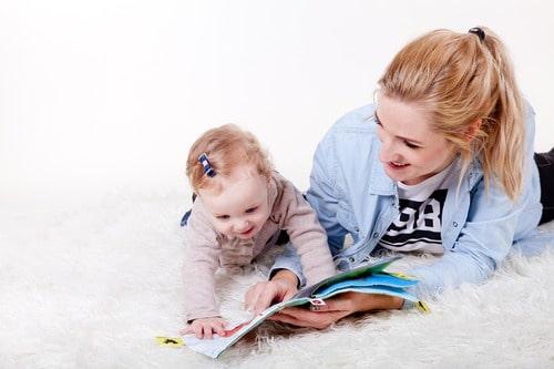 Vous souhaitez devenir assistante maternelle ? Suivez pour cela la formation à distance d'Espace Concours.