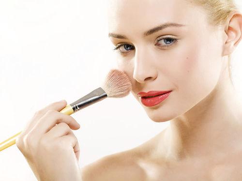 Vous allez tout savoir sur les dernières techniques en vogue comme par exemple le contouring en suivant une formation au CAP Esthétique, cosmétique, parfumerie.