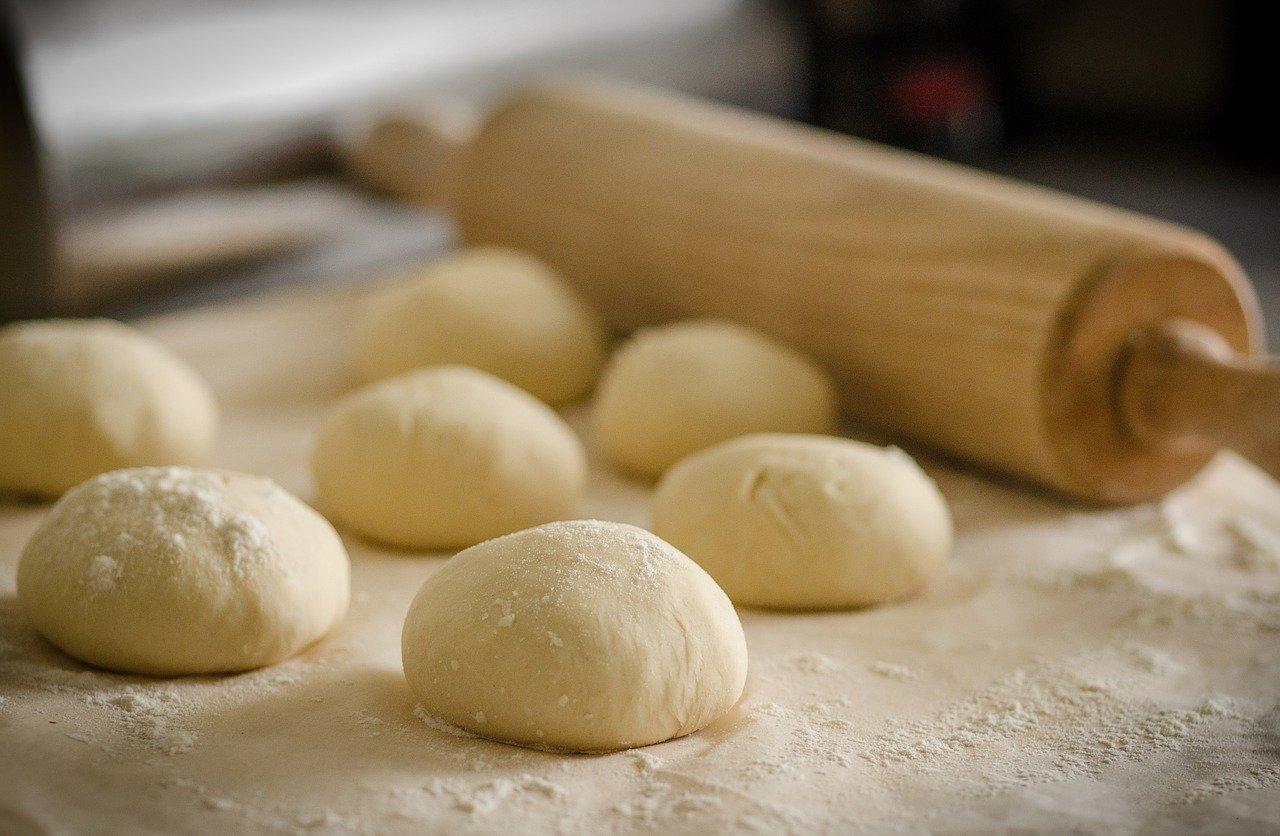 Des pâtes servant à la conception de pâtisseries.