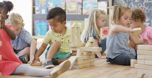 Formez-vous avec Espace Concours au CAP Accompagnant Educatif Petite Enfance (CAP AEPE) à distance.