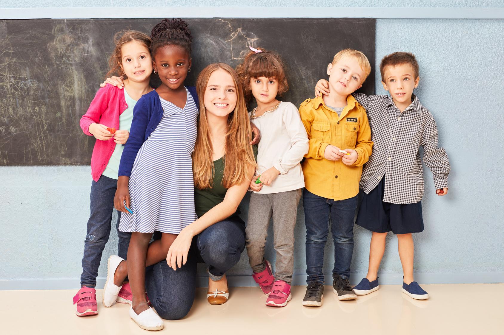 Le CAP Accompagnant éducatif petite enfance (AEPE) est le moyen le plus rapide pour exercer un métier auprès d'enfants.