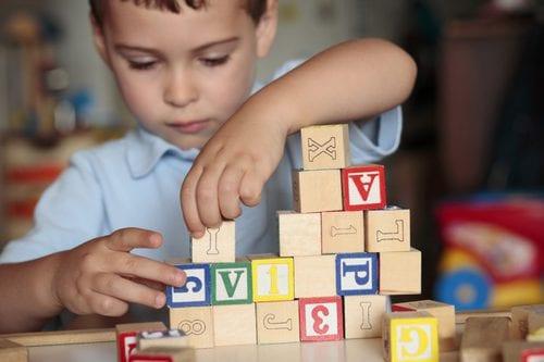 Formez-vous avec Espace Concours au nouveau CAP Petite Enfance, le CAP Accompagnant Educatif Petite Enfance (CAP AEPE) par correspondance.