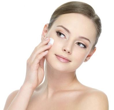 Devenez professionnels de la cosmétique avec la formation esthétique d'Espace Concours, le CAP Esthétique à distance.