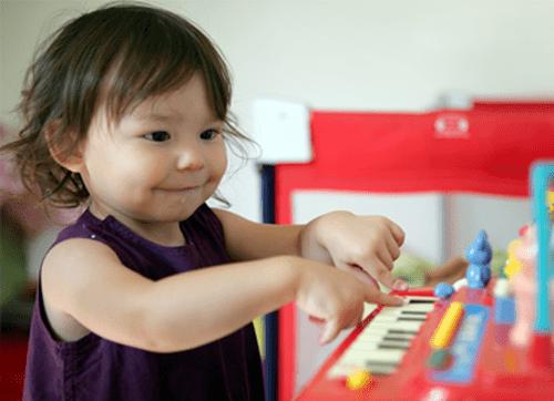 Suivez la formation au nouveau CAP Petite enfance, le CAP Accompagnant éducatif petite enfance (CAP AEPE) d'Espace Concours.