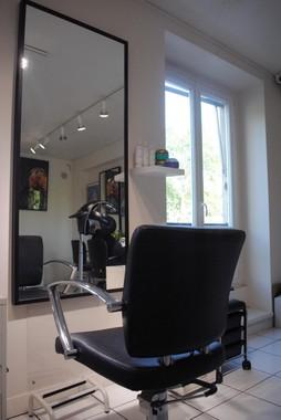 Avec votre CAP Coiffure en 1 an, vous pourrez ouvrir votre salon de coiffure à domicile.