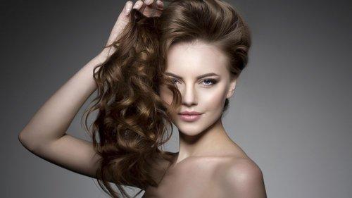 Découvrez la formation coiffure d'Espace Concours, le CAP Coiffure par correspondance.