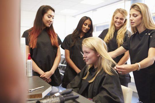 apprenties coiffeuse