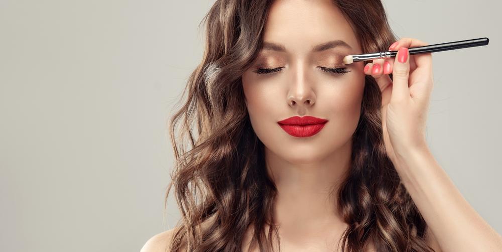Découvrez les tendances en matière de maquillage pour cet automne hiver.